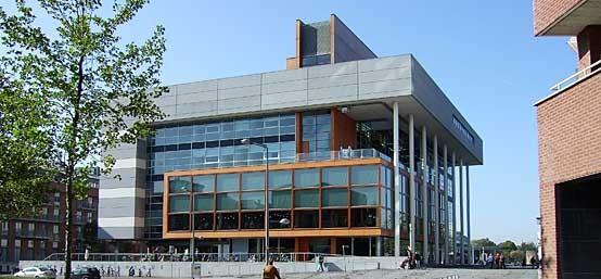 Centre Ceramique – Library and Exhibitions